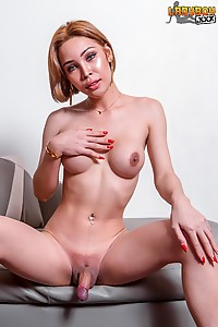 Thai Ladyboy With Thick Glans