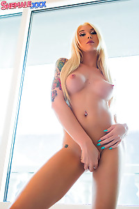 Hot Blonde Aubrey Kate Naked