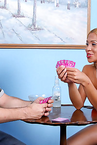 Strip poker wit Jessica Host gone wild