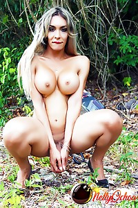 Hung Tranny Nelly Ochoa outdoors