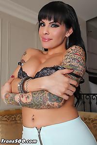 Foxxy Tattooed Body