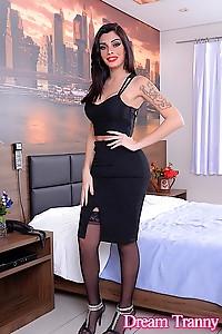 Sexy and pretty tranny girl Graziella Cinturinha