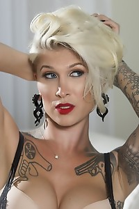 Danni is One High Class Pinup Girl, Fierce and Ready to Ravage Your Cock