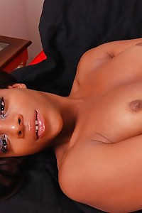Alyssa is a hot tranny from South Florida who loves to hang out at the beach and shoot bucket loads