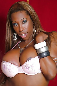 Fat Ebony Tranny Showing Off Large Tits And Big Booty