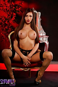 Stunning Tits tgirl Kimberlee