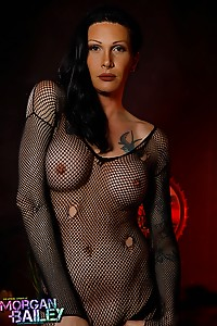 Morgan is back to fullfill your every dark naughty desires! Be mesmerized by her huge hung dick!
