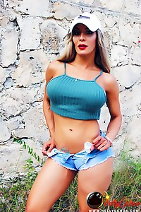 Big tits and cock Nelly Ochoa
