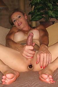 Beautiful TMILF Jasmine Jewels giving a hot footjob