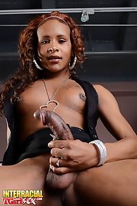Ebony tranny Chyna posing her long dick