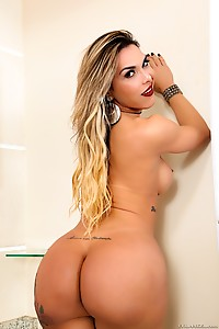 Bubble Butt Liah Ferreira