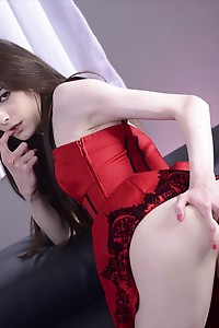 Sunshyne's Featured Guest of the Week - The Hot TS Kira and Her Huge Throbbing Cock