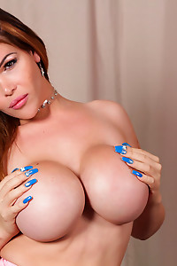 Lucia was last seen 9 years ago when she made her debut on ShemaleYum. Now she's back! This stunning