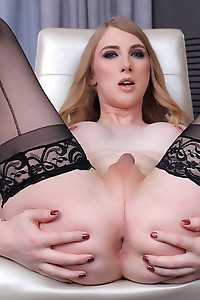 Hot Blonde Janelle Fennec Impaled By A Long Black Dick