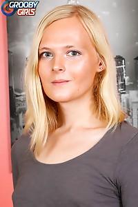 Beauty Blonde Crossdresser Sofia Bun
