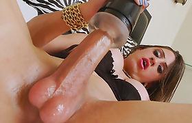 Sexy Latin Tgirl Stefany Souza Masturbates