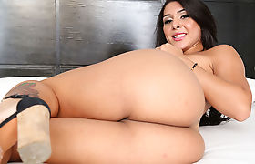 Horny TS Tifanny Taillon grinds dudes cock in cowgirl style
