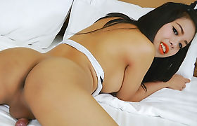 Asian Trans Girl Ying Is Ready To Jerk Off