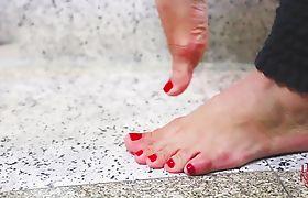 Sweet feet - Foot job and foot fetish with Lohanny Brandao