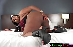 Chubby lingerie ebony cums after wanking