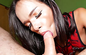 Ladyboy massage a naughty white client before blowjob
