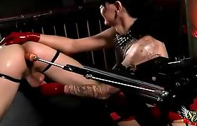Danielle Foxx helps Sex machine