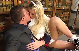 Teen tranny and governor in sixty nine