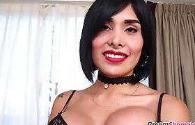 Sexy ass TS beauty Taiira Navarrete solo masturbation