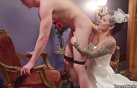 Big cock shemale bride anal fucks husband