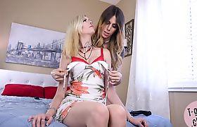 Lesbian ts duo enjoying kinky foreplay