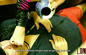 Beer given by 6 divine feet Lohanny Brandao & 2 gorgeous girls