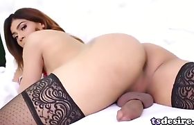 Tranny Beauty Candy Licious Strokes Her Cock