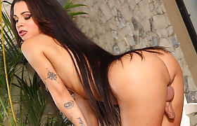 Sexy Trans Girl Pamella Surfistinha Gets Herself Off