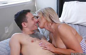 Slim blonde Ts anal fucks stepsisters date
