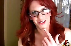 Redhead Wendy Summers playing with herself