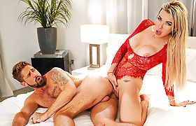 Trans babe Aubrey and her Partner Wesley fucked hard after the Visit