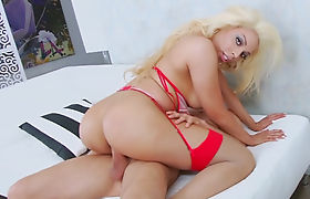 Sultry shemale Brittany Foxx asshole banged bareback