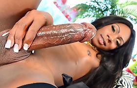 Black Trans Chick Kourtney Dash Pleases Herself