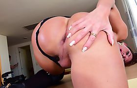 A lucky shemale fuck by two males.visit trannygirlz.com
