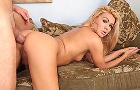 Blonde Tgirl Gianna Rivera Gets Fucked