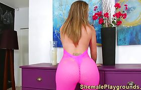 Shemale cums on mirror