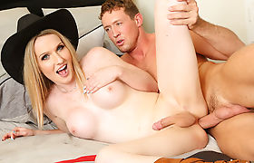 Redneck cowgirl tranny drilled in the arse