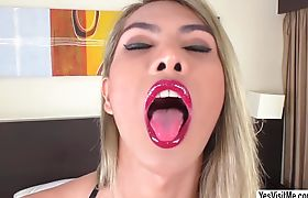 Vivi gets butt penetrated by Youlian big cock