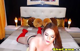 Gorgeous Shemale Masturbate Her Huge Cock