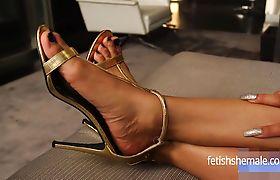 Megan Snow's Sexy Ebony Feet and toes