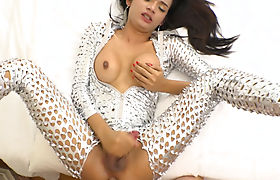 Expensive escort ladyboy shemale did it with a client