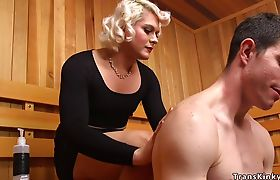 Dude gets anal fucked by tranny at spa