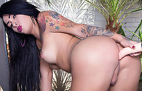 Tgirl Nicolly Pantoja Vs Fucking Machine