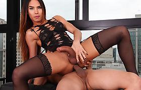 TS Kalliny Nomura Enjoys Anal Sex With Her Man