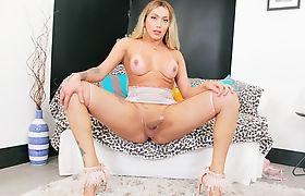 Busty latin trans beauty Jane Brandao jerks off her big cock